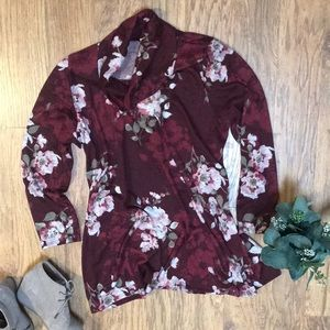 Sweaters - New soft knit floral tunic